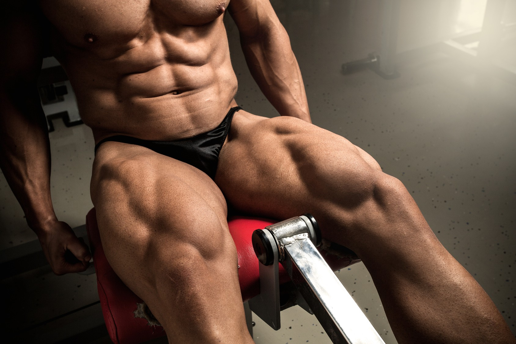 Dzień nóg - czyli jak ćwiczyć czworogłowy, dwugłowy, uda i łydki?